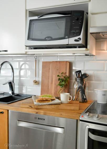 keittiö remontti jossa uusi ja vanha kohtaa