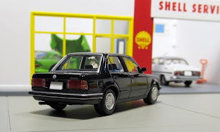 Tomica Limited Vintage NEO LV-N93b BMW 325i
