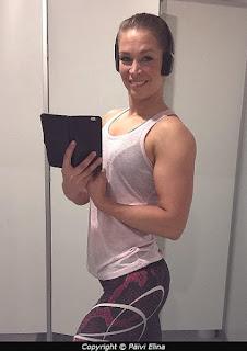 treeni, takaolkapäät, uusia lihaksia, hauis, nainen, tikissä, lihas, fitness, parempaan kuntoon, Päivi Elina,