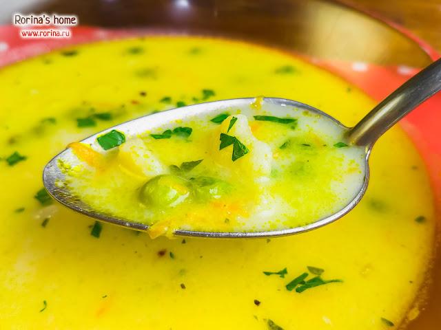 Низкокалорийный сырный суп с овощами
