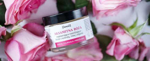 Iossi aksamitna róża krem regenerująco nawilżający z acerolą różą i algami