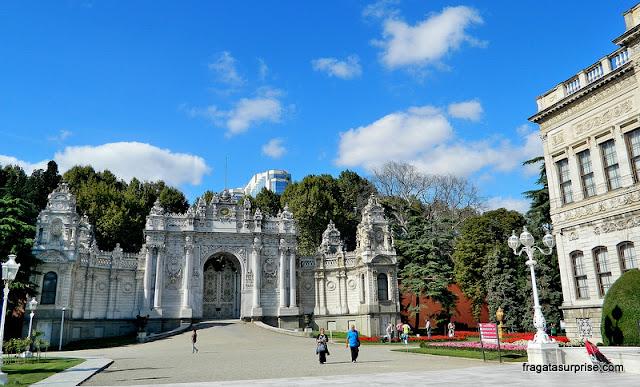 Portões do Palácio de Dolmabahçe, em Istambul
