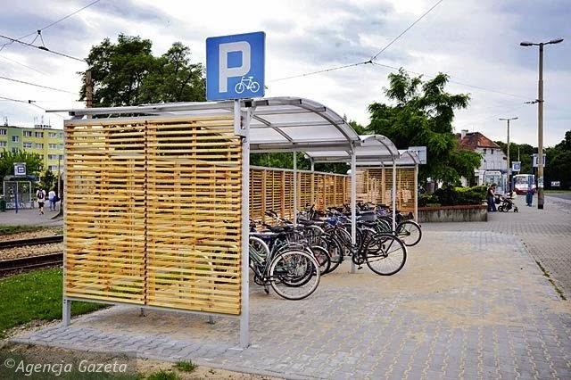 Jak odkorkować Wrocław. Parkingi rowerowe.