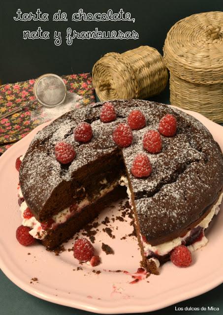 tarta de chocolate, frambuesas