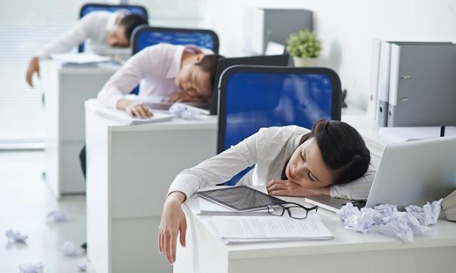 sleepy-employees.jpg