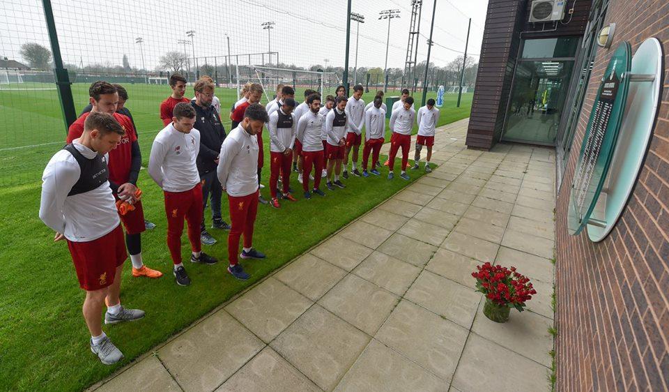 لاعبي ليفربول في إحياء ذكرى الضحال الـ ٩٦ سنة ٢٠١٨.