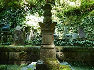 台月院の墓