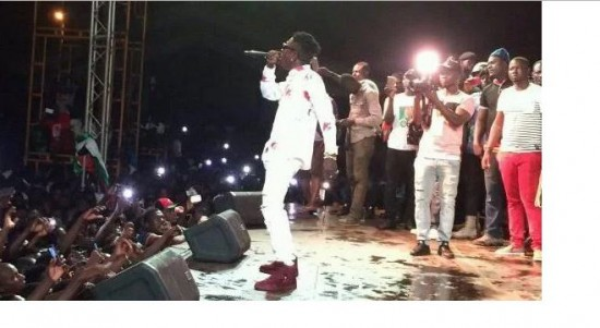 Shatta Wale performs to huge crowd at NDC gathering