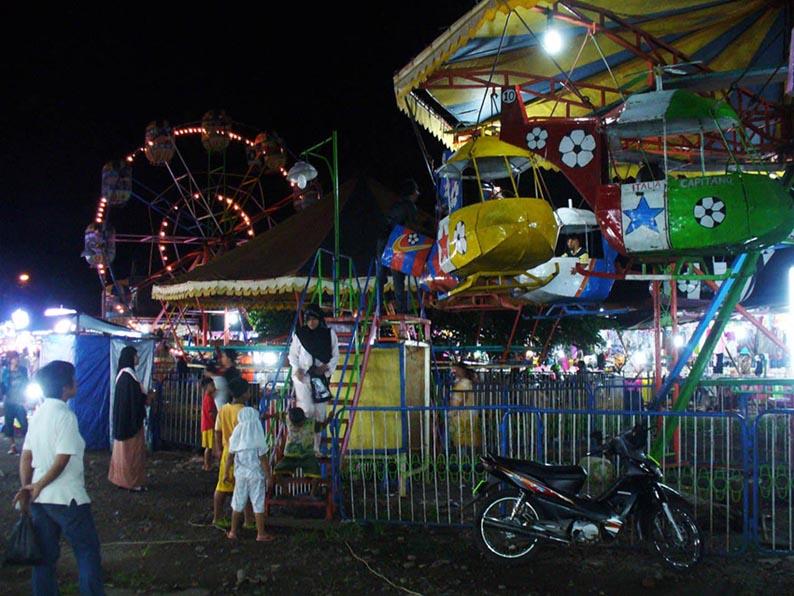 Gambarnya Aldriana Pasar Malam Di Akhir Tahun