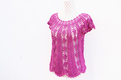 Blusa con piñas Majovel crochet 3