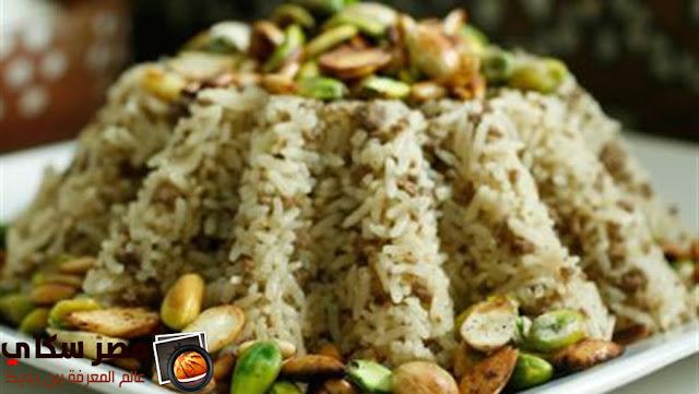 شركسية الدجاج بالأرز وجوز الهند وخطوات التحضير