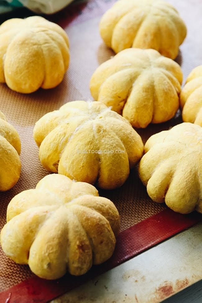 El mejor pan de calabaza y oregano, receta económica y muy fácil vía www.elgatogoloso.com