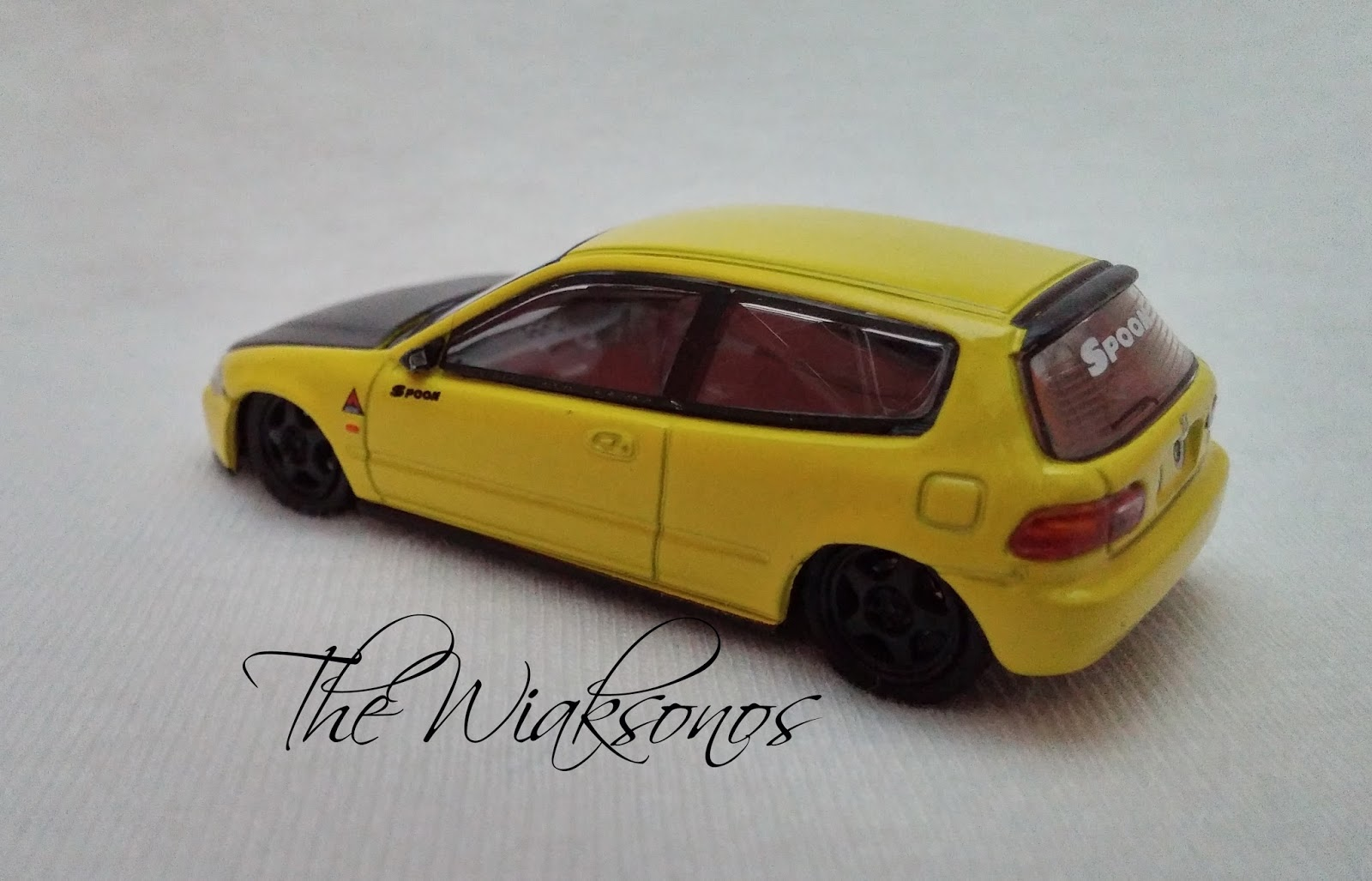 Tarmac Works 1/64 Honda Civic EG6 Gr.A Racing Spoon