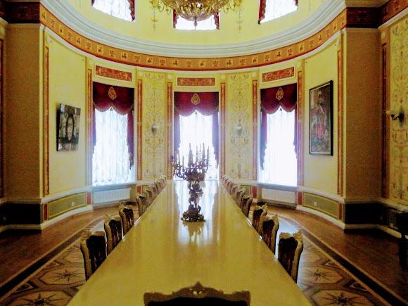 Батурин. Палац графа Розумовського. Зала для банкетів