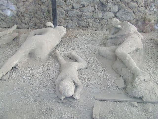 http://3.bp.blogspot.com/-p9Zs0BODqc0/UK-DQEw_sWI/AAAAAAAAGKY/JnixWmGzCV4/s400/pompeii.jpg