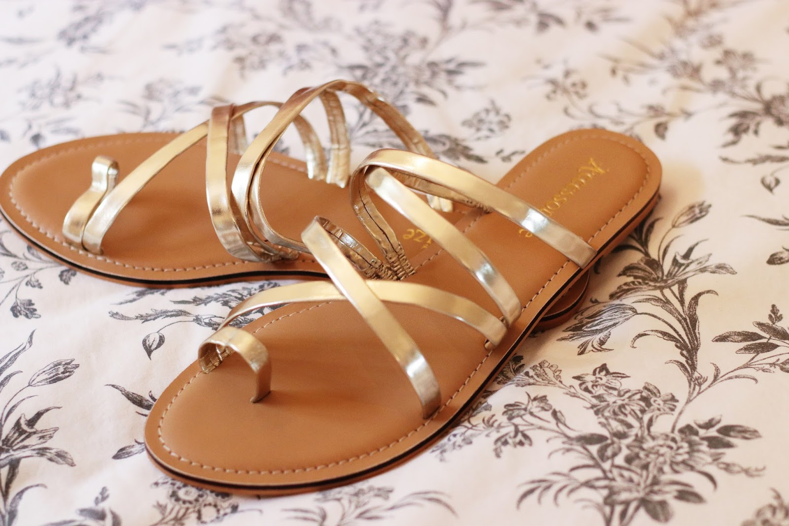 GOLD METALLIC SANDALS