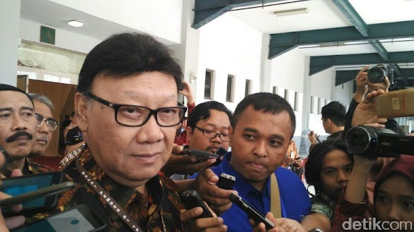 Kontroversi Mendagri 'Jualan' Jokowi 2 Periode