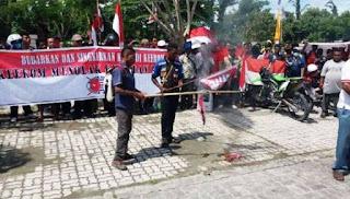Aksi Bakar Bendera Separatis Papua