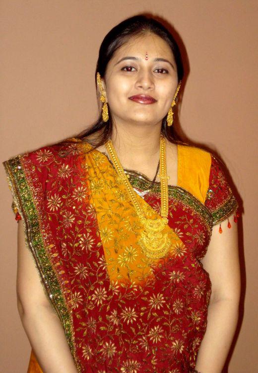 Pakistani Girl Simple House Wife-7682