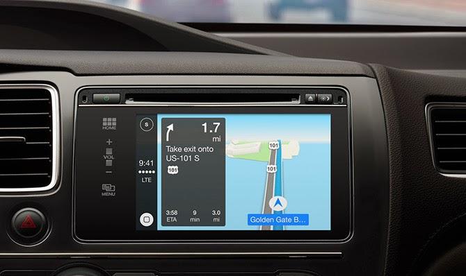 """Con el lanzamiento de CarPlay hay quien, habituado a estar al día de todos estos temas relacionados con el mundo del motor, se ha preguntado si esto no es lo mismo que el protocolo MirrirLink. Pues no sólo es el """"MirrorLink"""" de Apple sino que se basa o mejor dicho hace uso de QNX para funcionar. Compatible sólo con el iPhone 5, 5c y 5s con iOS 7, CarPlay se conectará a nuestro coche a través deQNX, sistema operativo basado en Unix que resulta ser propiedad de BlackBerry. Así, al igual que con otras opciones de diferentes fabricantes, desde la"""