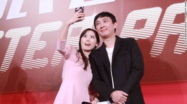 Hijo de multimillonario chino compra a su perro 8 iPhone 7s