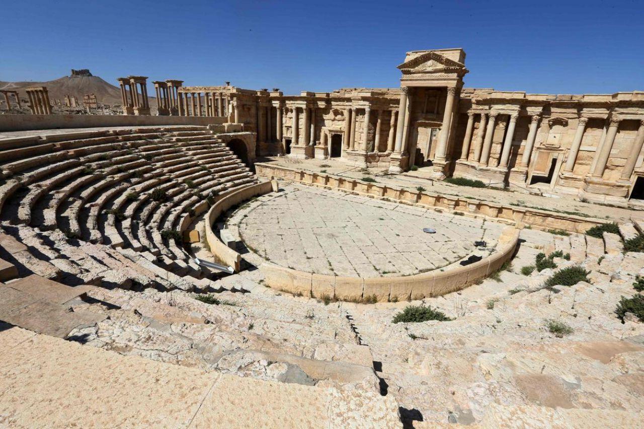 ISIS destroys part of Palmyra's Roman Theatre