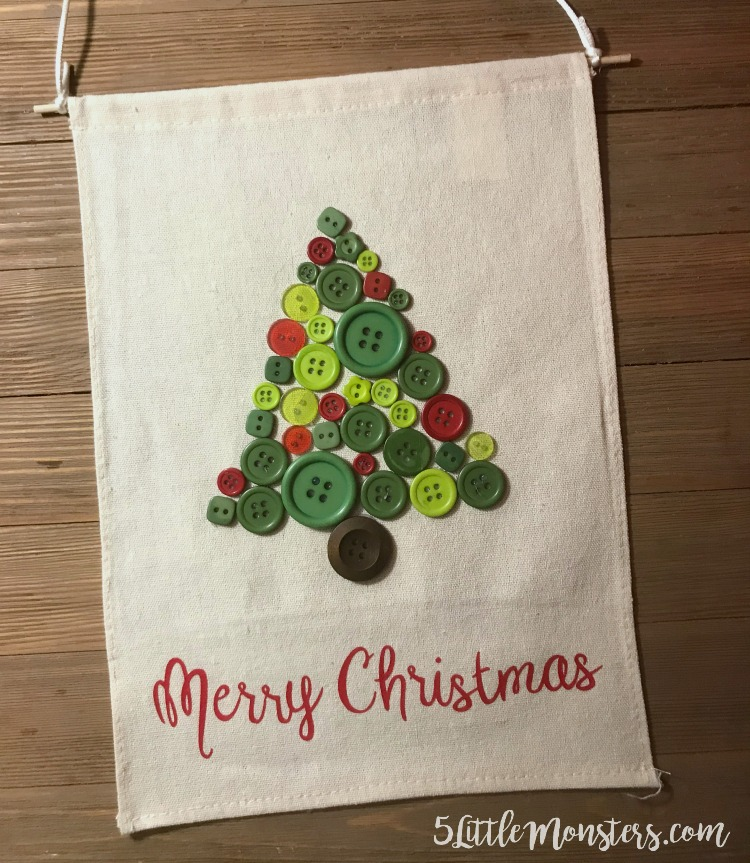 5 Little Monsters: Button Christmas Tree Banner