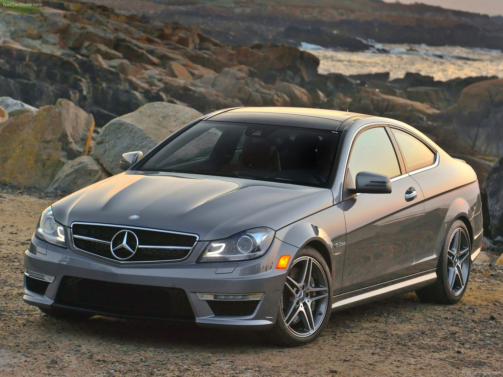 mercedes c63 amg coupe cars prices specs luxury cars wallpaper blog. Black Bedroom Furniture Sets. Home Design Ideas