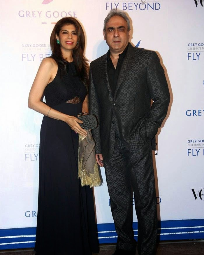 Zeba Kohli, Rakesh, Pics from Red Carpet of Grey Goose & Vogue's Fly Beyond Awards 2014