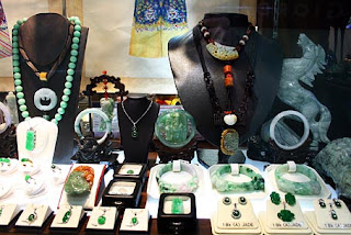 high end jadeite jewelry shop