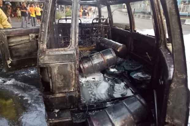 Mobil Carry Bermuatan Derigen Meledak Dekat Masjid Istiqlal, Sopir Kabur