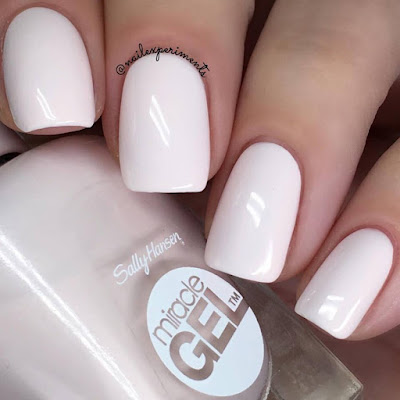 Sally Hansen Miracle Gel Little Peony swatch Travel in Colour collection