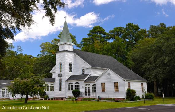 Iglesia con huertas siembra y cosecha para ayudar