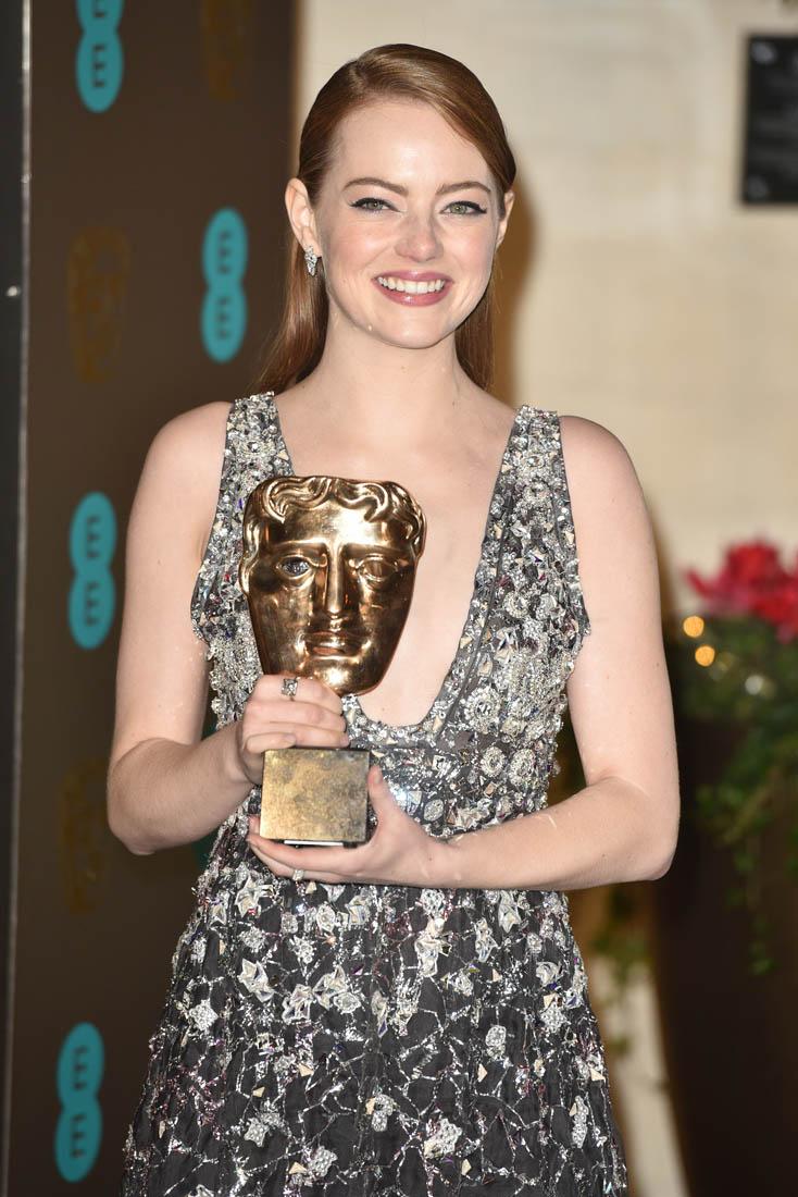 emma stone sexy pics at british film academy awards 03