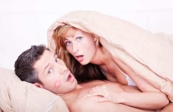 Γυμνό σεξ με τη μαμά