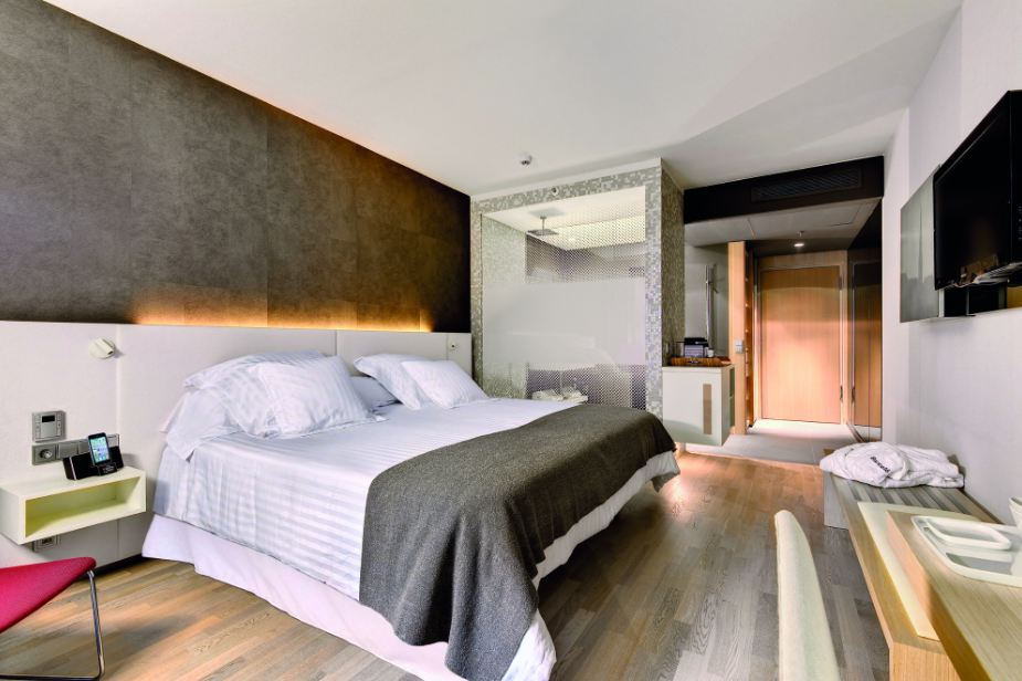 Arredamento design bagno doccia in camera da letto kaldewei for Arredamento camera letto