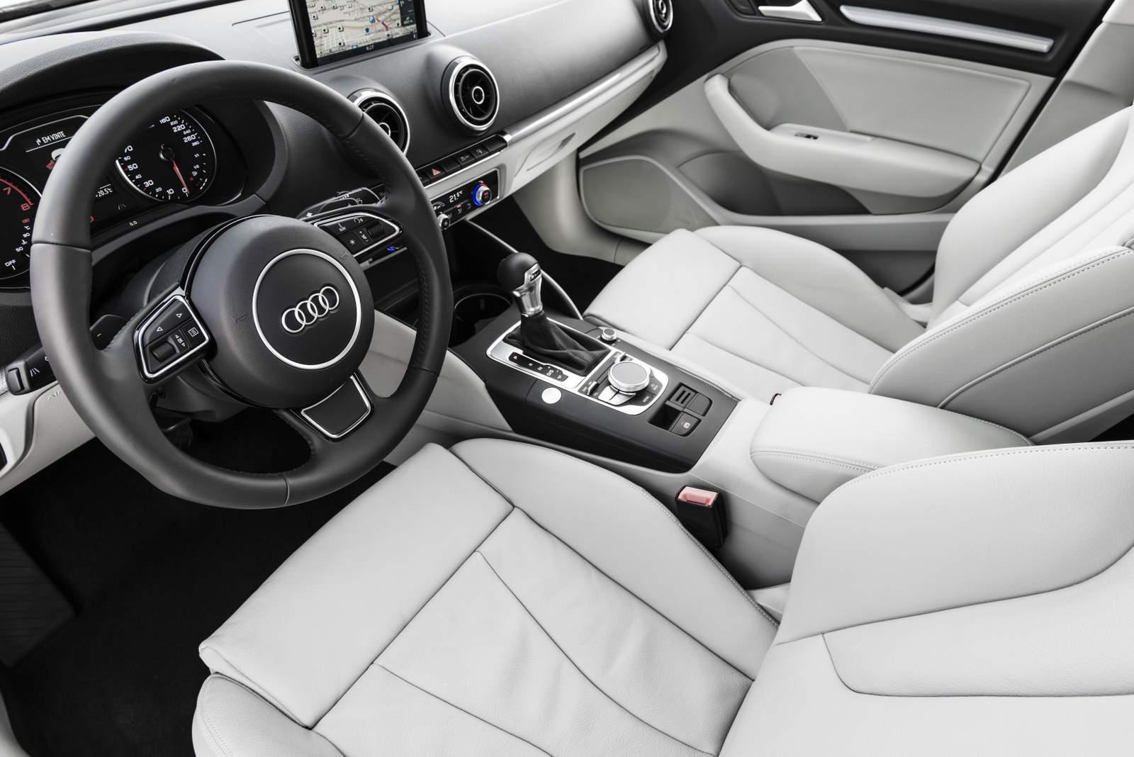 Audi A3 Sedan 2.0 Ambition - interior