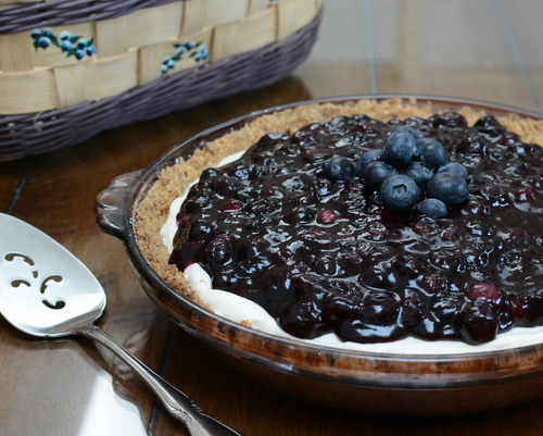Blueberry Cheesecake Pie ♥ KitchenParade.com