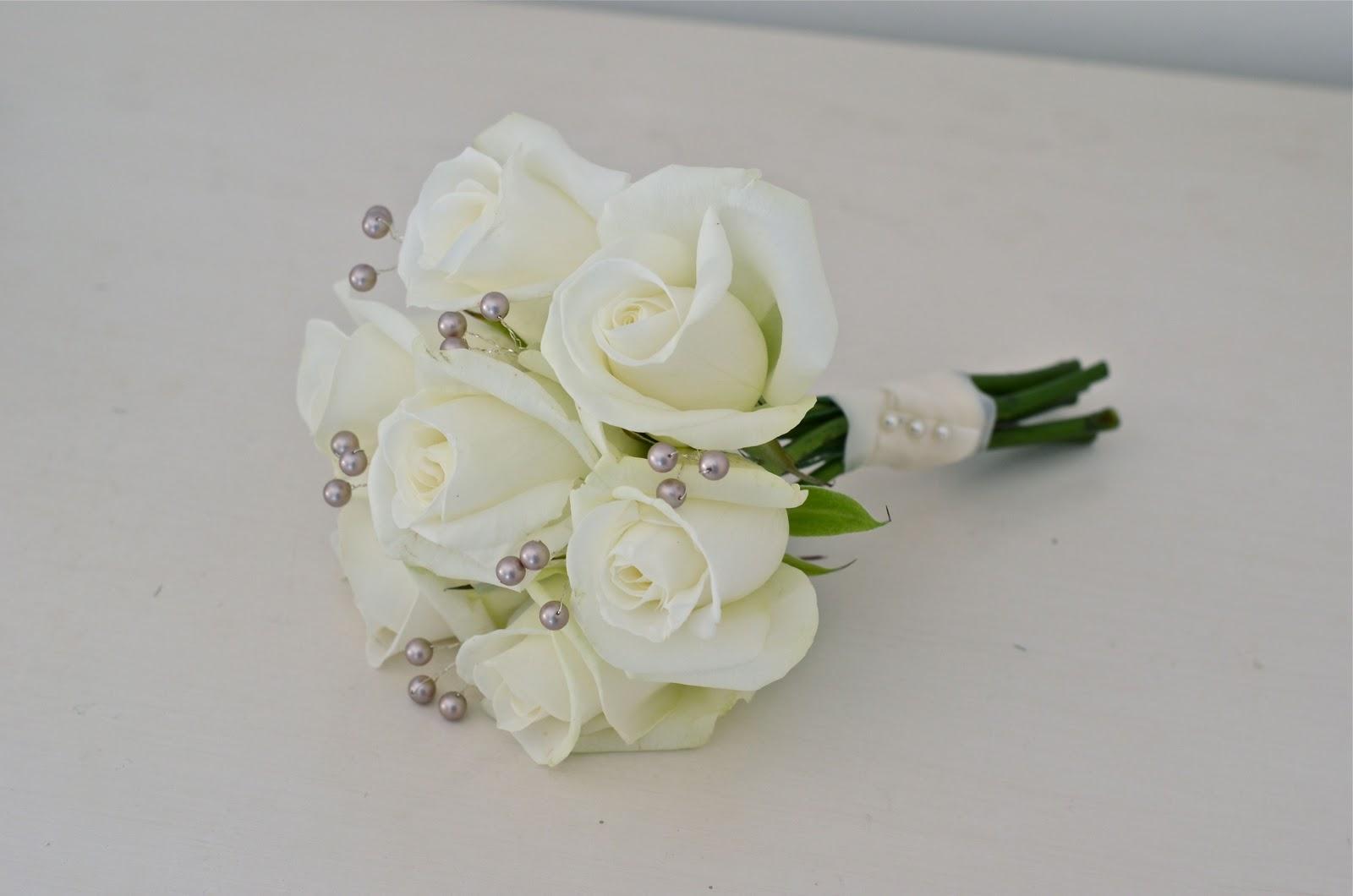 Wedding Flowers Blog  Amy U0026 39 S Christmas Wedding Flowers  New