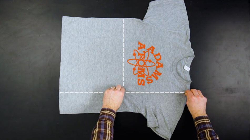 Aprende a doblar tus camisas con estilo - Como doblar una camisa ...