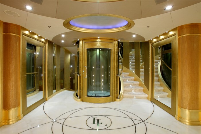 3 Dollar Land Million Yacht