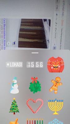 Cara Menambahkan Sticker Emoticon di Snapgram, Cara Menambahkan Sticker Lokasi di Snapgram, Cara menambahkan Waktu di Snapgram, Cara Menambahkan Kondisi Cuaca di Snapgram, Cara Membuat Emoji di Snapgram.