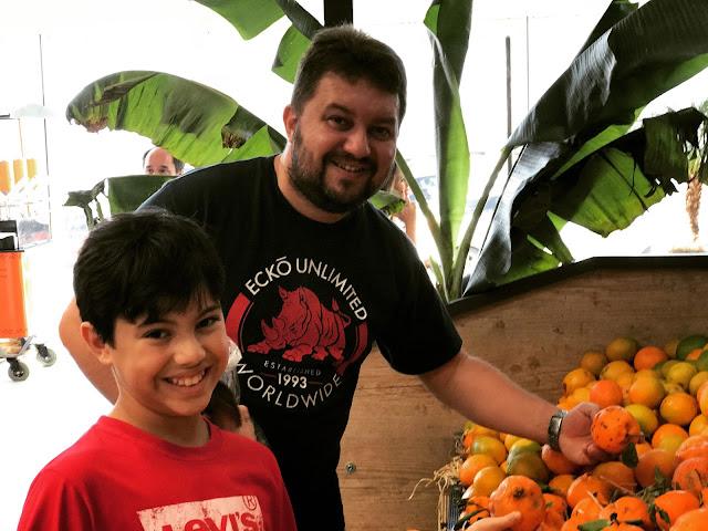 Mercado de Produtores, na Barra da Tijuca. Você ainda compra frutas deliciosas