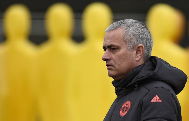 Mourinho não vê favoritismo do United na Liga Europa (Foto: Oli Scarff/AFP)