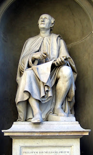 Luigi Pampaloni's 1838 statue of Brunelleschi in Piazza Duomo