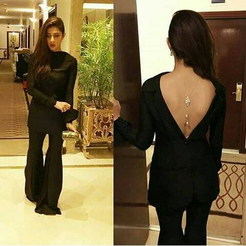 Pakistani Beauties Wearing Backless at Hum Glamourous Awards 2016