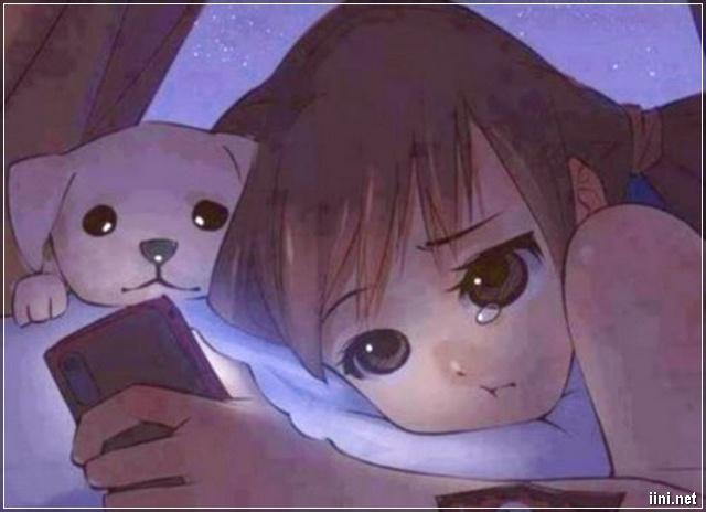 ảnh hoạt hình cô gái vừa xem điện thoại vừa khóc