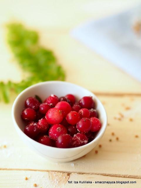 polska zurawina, owoce zurawiny, zurawina mrozona, kiszona kapusta z zurawina, domowe przetwory
