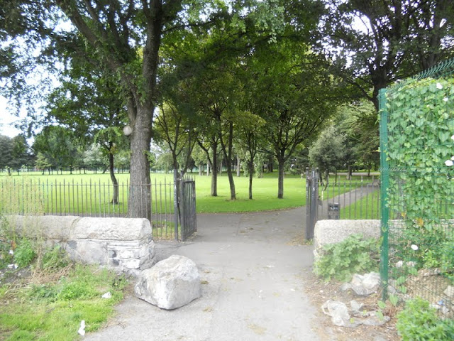 Ringsend Park in Dublin after hiking between Sandymount Strand and Poolbeg Lighthouse