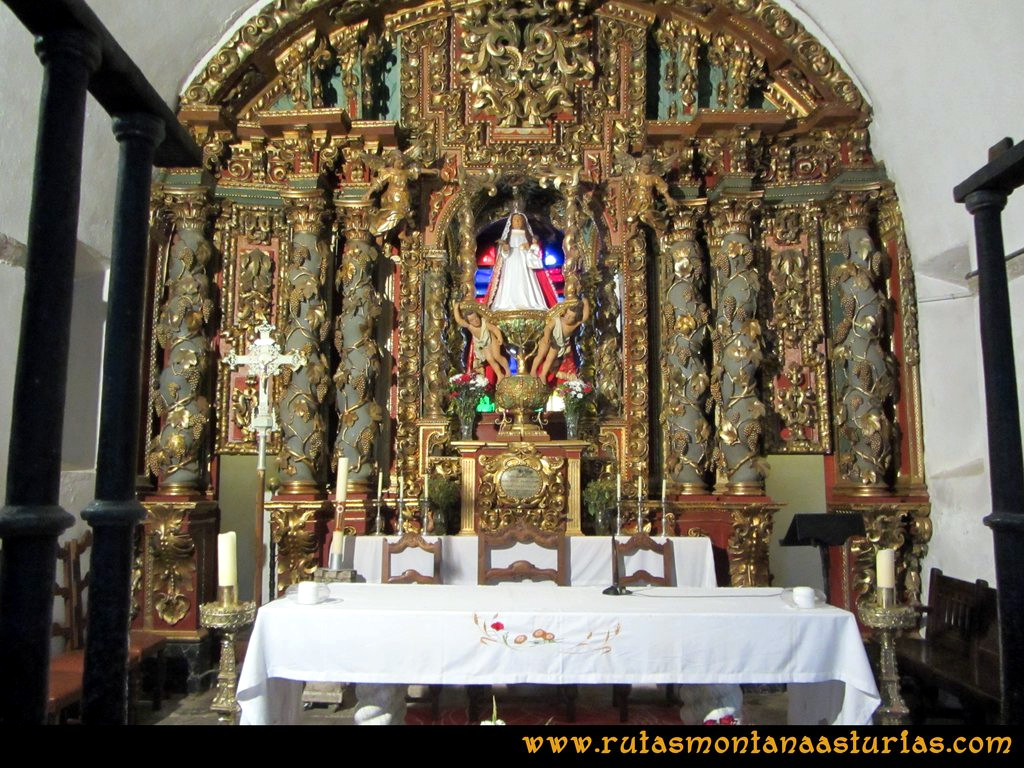 Ruta Cangas - Acebo: Interior del Santuario del Acebo